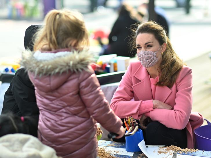 Фото №5 - Ход герцогини: почему поклонники БКС уверены, что скоро Кейт объявит о четвертой беременности