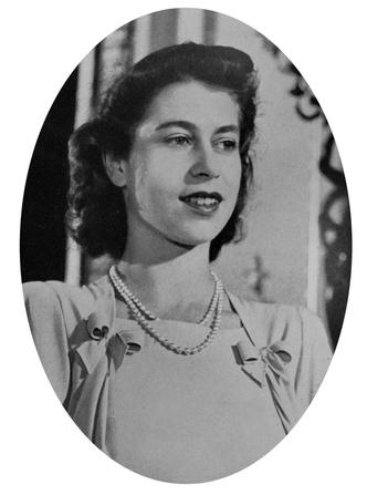 Фото №4 - Семейные узы: действительно ли Королева и принц Филипп родственники