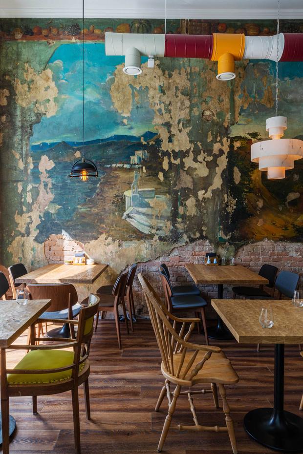 Фото №2 - Ресторан «Цех» с фресками советской эпохи во Владивостоке