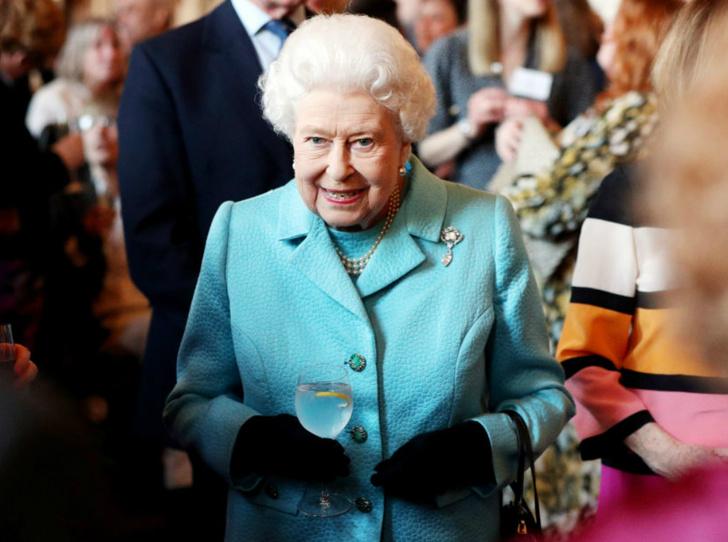 Фото №1 - Почему эта Пасха станет особенной для королевской семьи