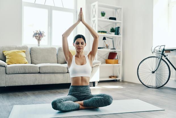 Йога в домашних условиях с чего начать упражнения для начинающих фото пошагово с описанием