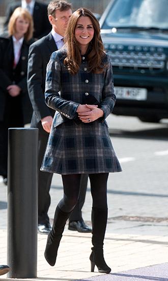 Фото №6 - 5 причин, почему Кейт Миддлтон не ругают за мини-юбки