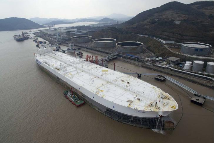 Фото №3 - Морские монстры: самые большие торговые суда, которые можно встретить в море
