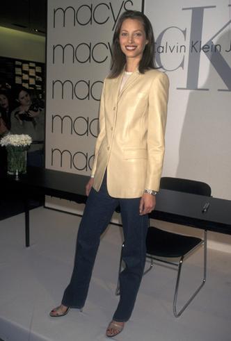 Фото №6 - Как носить кожаный жакет из 90-х: лучшие сочетания сезона