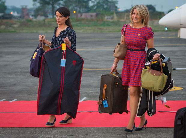 Фото №9 - Выездной гардероб: как стилисты и дизайнеры готовят королевских особ к турам