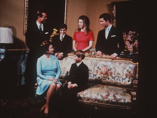 Фото №2 - Особый случай: как складывались отношения Королевы и принца Филиппа с младшим сыном