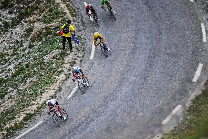 Фото №12 - Среди «горных королей»: репортаж с велогонки «Тур де Франс»
