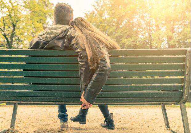 Фото №1 - Вопрос дня: Как намекнуть парню, что он тебе нравится?