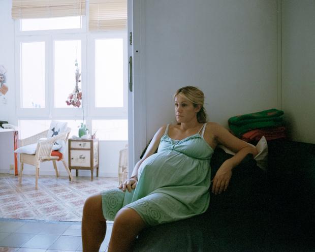 Фото №2 - Бесчеловечный конвейер: 5 реальных историй из роддомов