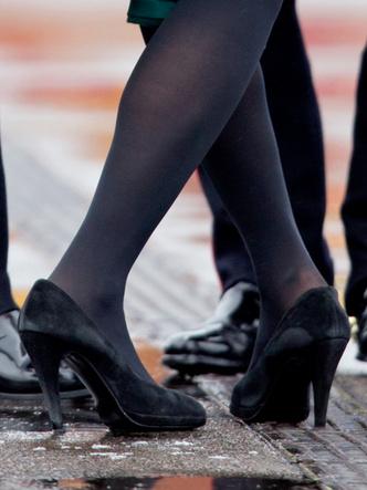 Фото №9 - Боль и слава: самая неудобная обувь звезд