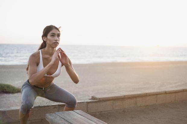 упражнения на море для похудения, упражнения на море для похудения живота и боков