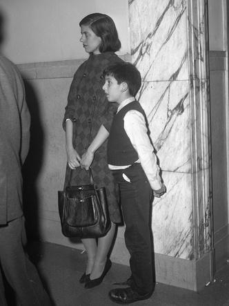 Фото №7 - Как одевались знаменитые писательницы XX века: 7 культовых образов