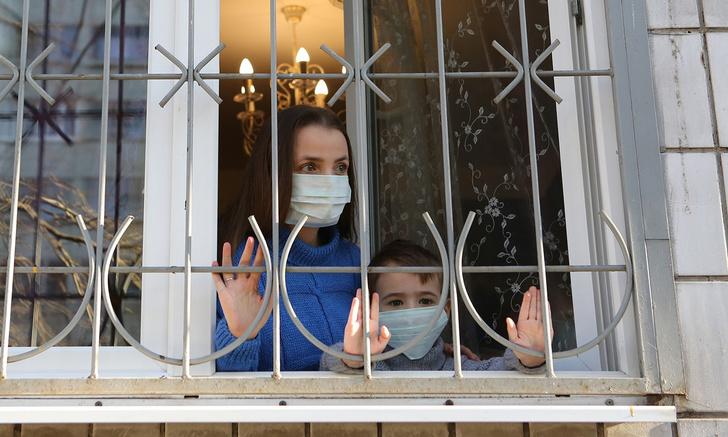 Фото №1 - Минздрав выпустил новые рекомендации по борьбе с коронавирусом