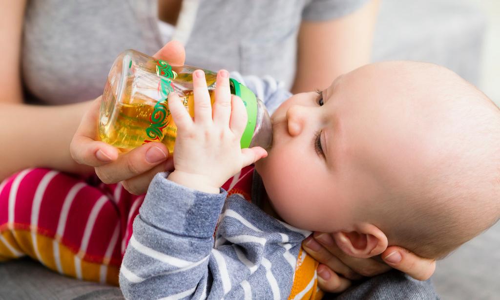 Первый сок для малыша: что о нем обязательно нужно знать маме