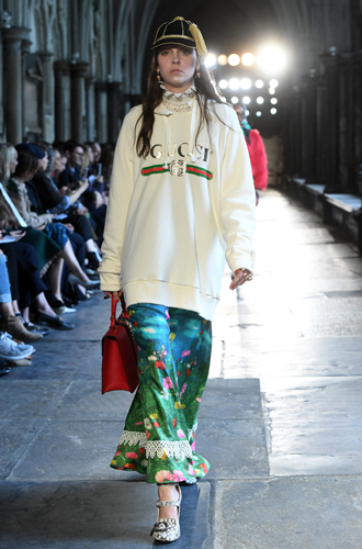 Фото №5 - Fashion director notes: май – что-то старое, что-то новое, что-то голубое