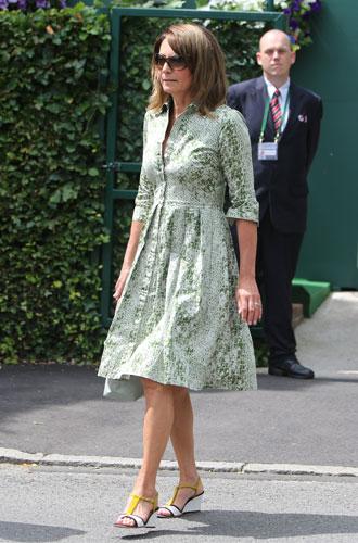 Фото №19 - Гардероб Кэрол Миддлтон: как одевается мама герцогини Кембриджской