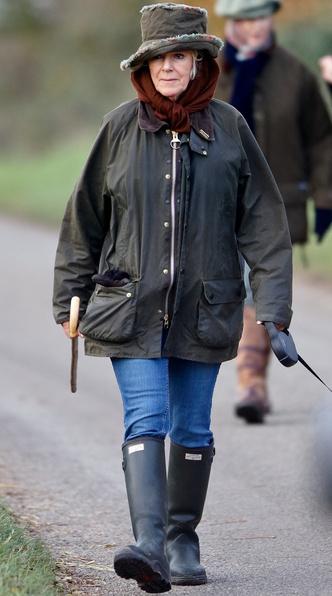 Фото №10 - Любимый бренд королевской семьи: как Виндзоры носят резиновые сапоги Hunter