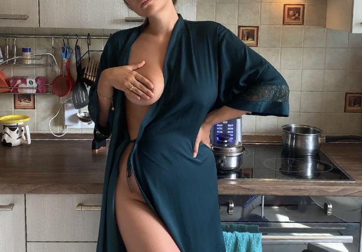 Фото №2 - #Нюдсочетверг: откровенные фотографии самых красивых девушек из «Твиттера». Выпуск 16