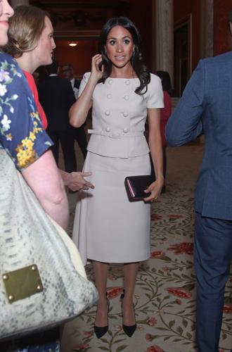 Фото №3 - Почему герцогиня Меган внезапно увлеклась розовым и бежевым