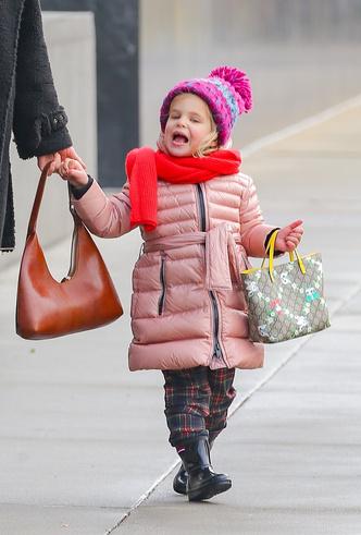 Фото №5 - Нью-Йорк, я люблю тебя: Ирина Шейк с дочкой столкнулись с Хью Джекманом на Манхэттене