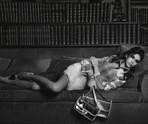 Фото №4 - Кайя Гербер стала лицом новой рекламной кампании Chanel