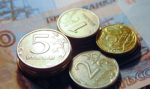 """Фото №1 - Фонд """"Здоровье"""": Большинство врачей зарабатывают менее 20 тысяч рублей"""