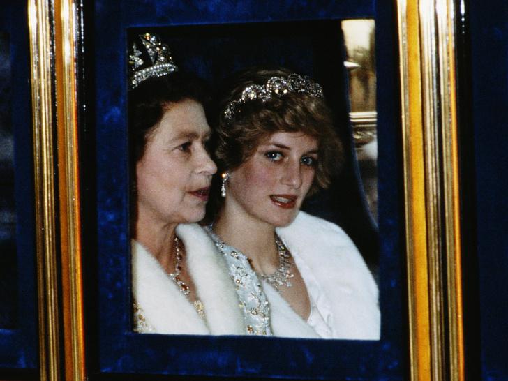 Фото №3 - Проблема в отношениях с Королевой, с которой столкнулись Диана и Меган