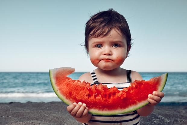 Фото №1 - Фрукты, суп и еще 6 продуктов, которые мы зря даем детям