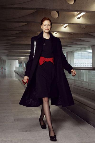 Фото №15 - Мода высокого полета: дизайнеры в поисках идеальной стюардессы