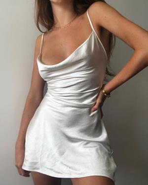 Фото №1 - Одежда в стиле 90х: что купить, чтобы быть в тренде в 2021 году