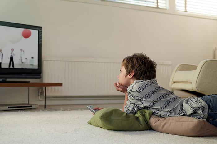 Фото №1 - Ребенок и реклама: минусы и плюсы рекламной паузы