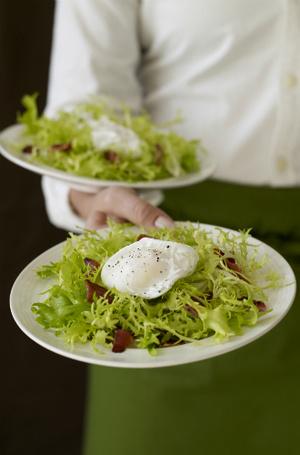 Фото №8 - Уловки в ресторанном меню, из-за которых вы переплачиваете и переедаете (и как на них не попасться)