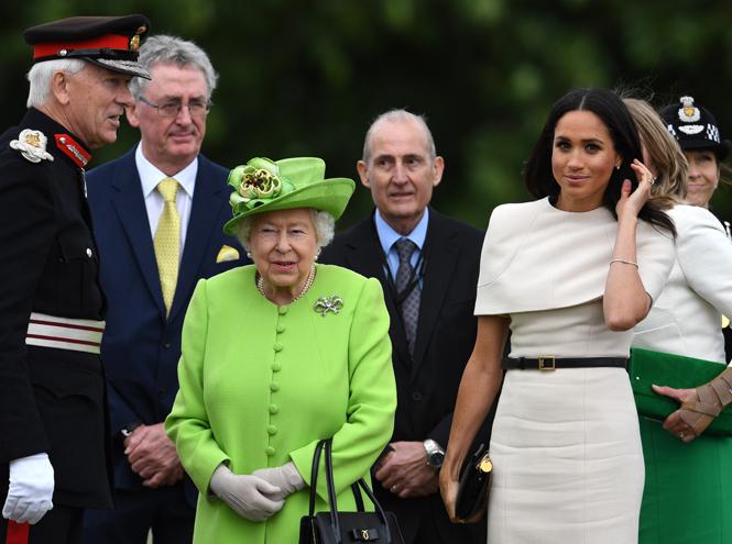Фото №3 - Меган Маркл и Елизавета II прибыли в Чешир на первое в жизни совместное мероприятие
