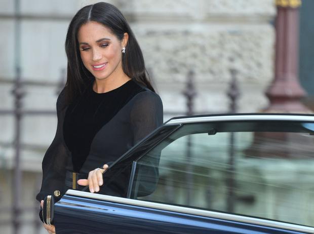 Фото №6 - Как герцогиня Меган меняет монархию одним жестом