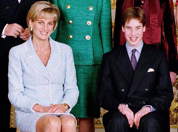 Фото №2 - Принца Уильяма дразнили из-за фотографий Дианы