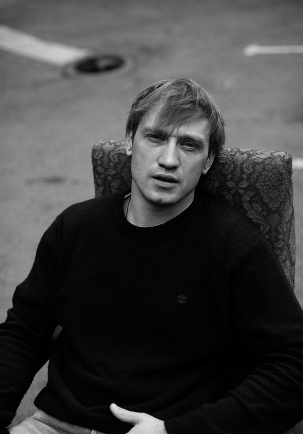 Фото №3 - «Кинотавр-2020»: самый многообещающий российский актер Михаил Тройник— о «Хандре», современном театре и своей жизни
