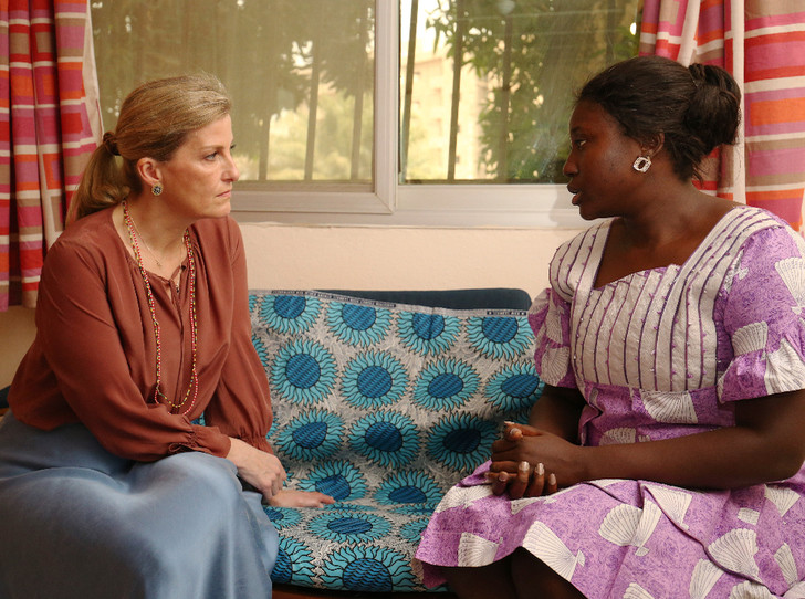 Фото №3 - Промах Софи: «любимая невестка Королевы» нарушила протокол в туре по Южной Африке