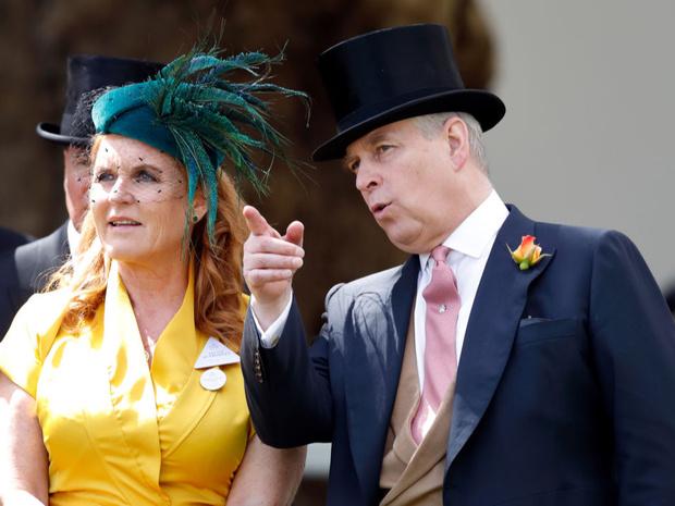 Фото №3 - Старая вражда: почему принц Филипп и Сара Фергюсон могут поссориться снова