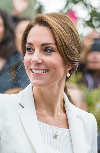 Фото №23 - Драгоценности герцогини: любимые ювелирные бренды Кейт Миддлтон