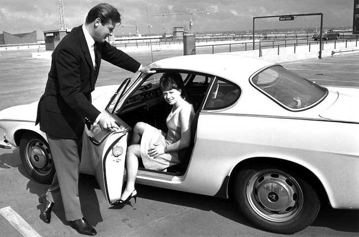 Фото №2 - 13 странных правил этикета знакомств из 1950-х годов