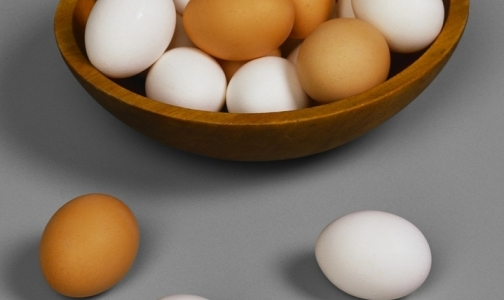 Фото №1 - Роспотребнадзор советует россиянам не есть яйца за границей из-за сальмонеллеза