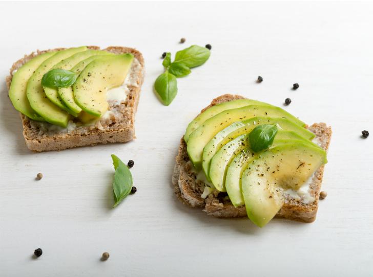 Фото №3 - Правильное утро: 5 рецептов вкусных и полезных бутербродов