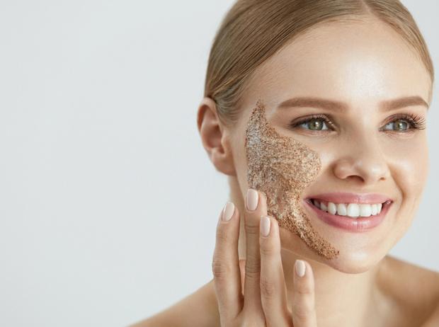 Фото №3 - Советы дерматолога: как ухаживать за кожей, чтобы она пережила праздники