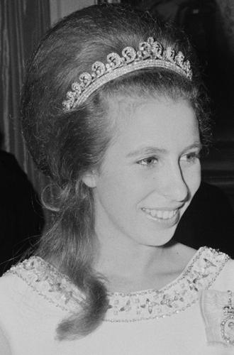 Фото №3 - Какие украшения из королевской коллекции могут заимствовать представительницы БКС