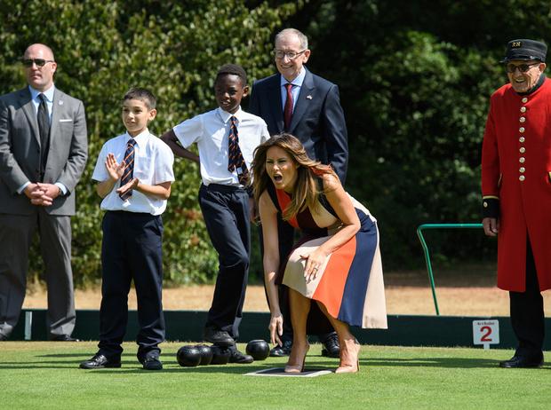 Фото №7 - Спорт на шпильках: герцогиня Меган слишком элегантна?
