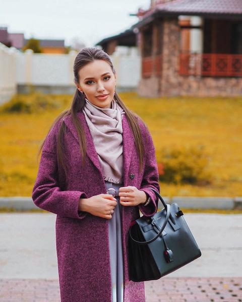 Фото №1 - Редкий случай: интернет-критики похвалили Анастасию Тарасову за стильный образ