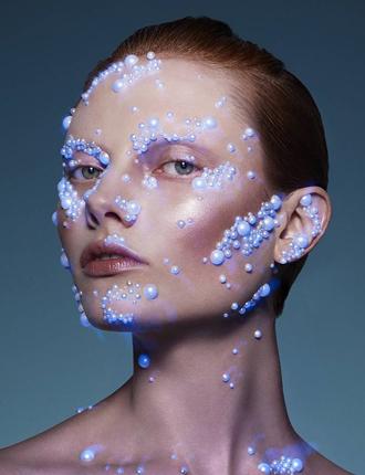 Фото №11 - Стразы и наклейки на лице: новый beauty-тренд