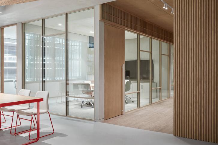 Фото №7 - Офис фармацевтической компании в Дубае