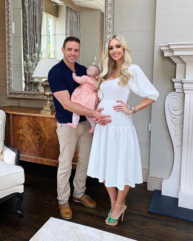 Фото №2 - «Мисс мира» родила двойню после 14 выкидышей