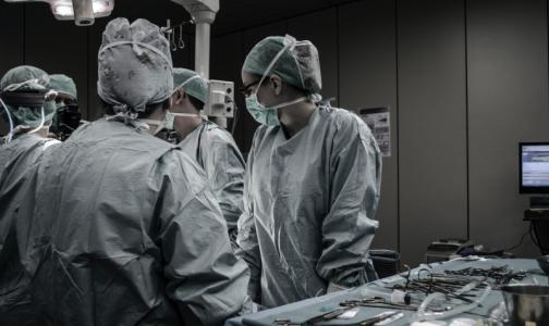 Фото №1 - Врачи Покровской больницы рассказали губернатору Беглову и прокурору Литвиненко, почему пациенты остаются без помощи